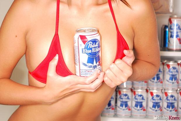 beer_pong_bikini_pabst_blue_ribbon